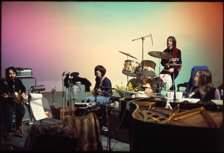 """映画『ザ・ビートルズ:Get Back』""""伝説的ロックバンド""""のラストライブ ..."""