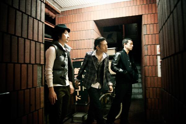 ブリングオンザノイズ 2010-2011A/Wコレクション
