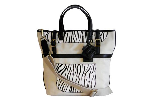 コレットで限定発売されたTila March(ティラ マーチ)のバッグ