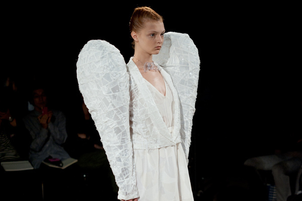 アンリアレイジ(ANREALAGE)、2011年春夏コレクション