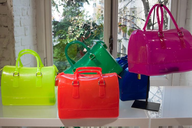 83cc39b9dbea FURLA CANDY : 上品な色がステキ♡♡♡一つは欲しい!【FURLA(フルラ)】のバッグ&財布 - NAVER まとめ