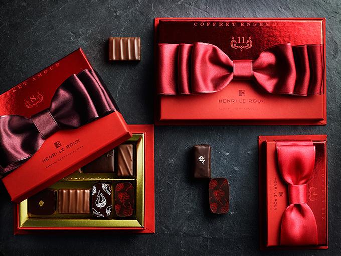 アンリ・ルルーが贈るバレンタインコフレ - ボックスには華やかなリボンが
