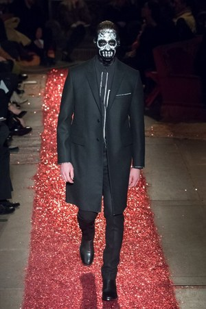 W300 givenchy mens 15aw 19