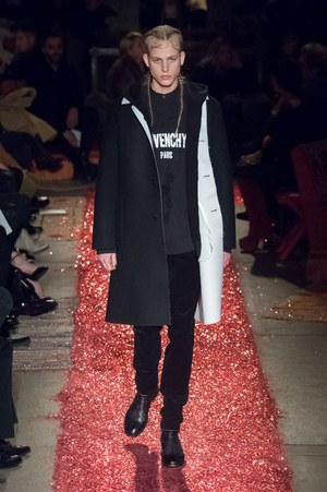 W300 givenchy mens 15aw 26