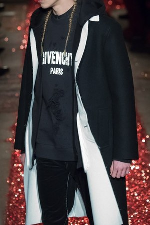 W300 givenchy mens 15aw 27