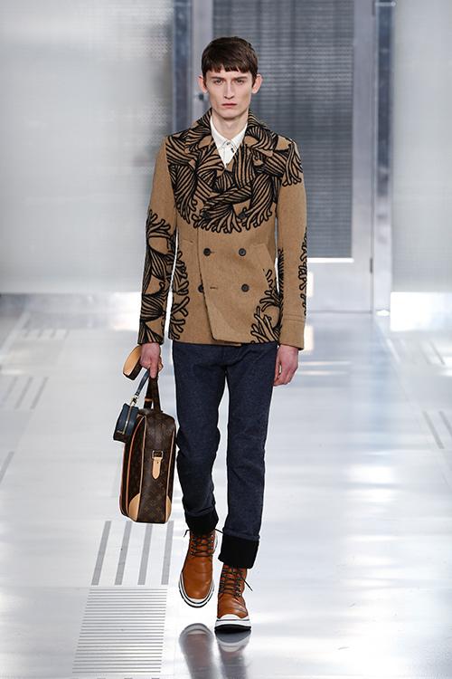 の2015,16年秋冬メンズ・コレクションがフランス・パリで発表された。ファッションデザイナー、クリストファー・ネメスがこの世を惜しまれつつ去ってから5年。