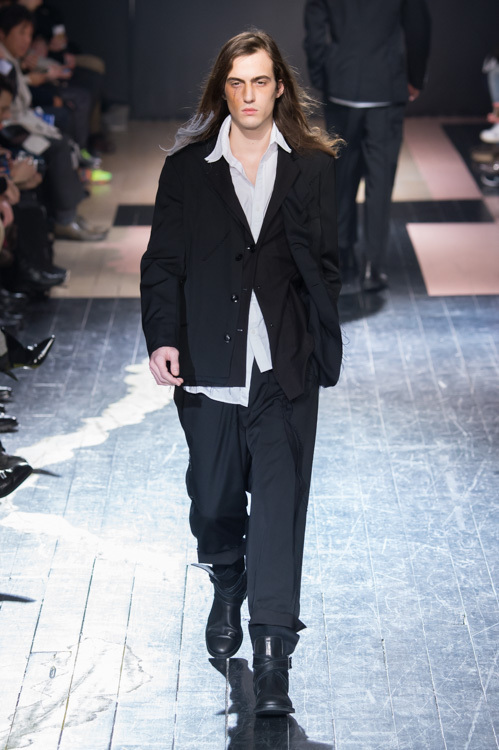 https://www.fashion-press.net/img/news/14896/yohji_15aw_23.jpg