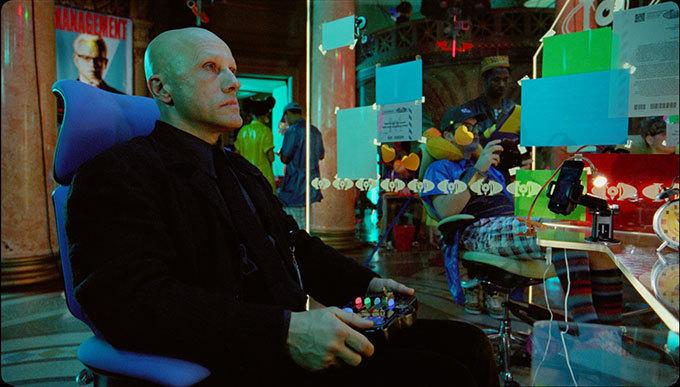 """テリー・ギリアム監督最新作『ゼロの未来』孤独な天才プログラマーが見つけた""""人生の意味"""""""