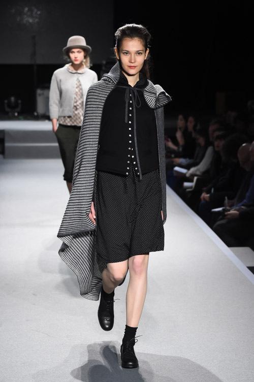 アニエスベー 2015,16年秋冬コレクション , アーティな服はマニッシュにまとう 写真