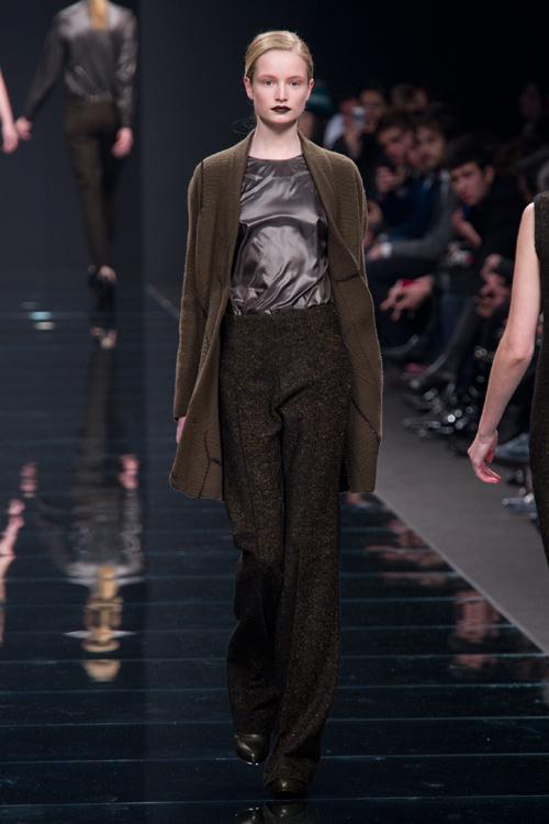女性の秘められた美しさをファッションで伝えるアンテプリマ(ANTEPRIMA)の2011-12年秋冬コレクション 画像6