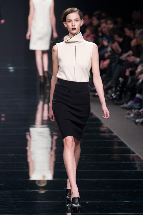 女性の秘められた美しさをファッションで伝えるアンテプリマ(ANTEPRIMA)の2011-12年秋冬コレクション 画像32