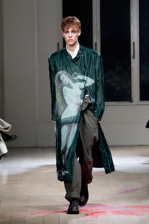 https://www.fashion-press.net/img/news/1710/yohjiyamamoto_homme_2011aw_40.jpg