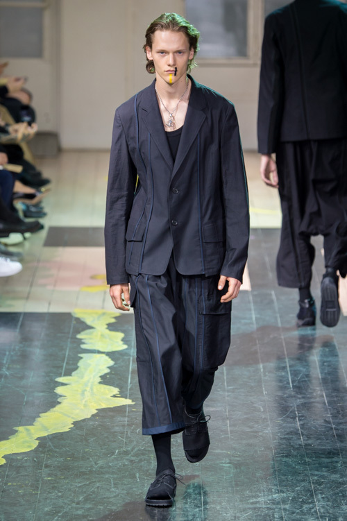 https://www.fashion-press.net/img/news/17684/yohji_16ss_05.jpg