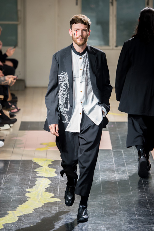 https://www.fashion-press.net/img/news/17684/yohji_16ss_104.jpg