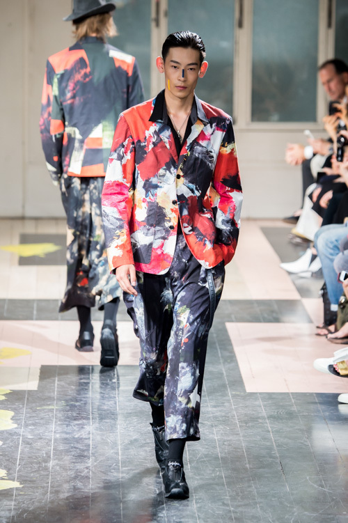 https://www.fashion-press.net/img/news/17684/yohji_16ss_27.jpg