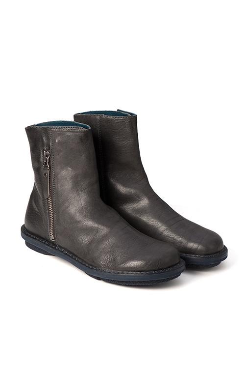 リバースプロジェクト、ドイツの靴ブランド「トリッペン」とのコラボシューズを発売