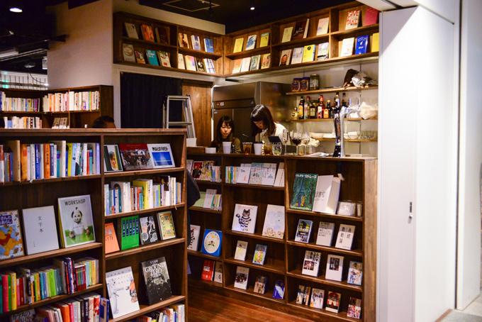 森の図書室表参道ヒルズ店の外観