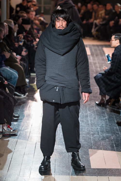 https://www.fashion-press.net/img/news/21311/yohji_2016aw_mens_0001.jpg