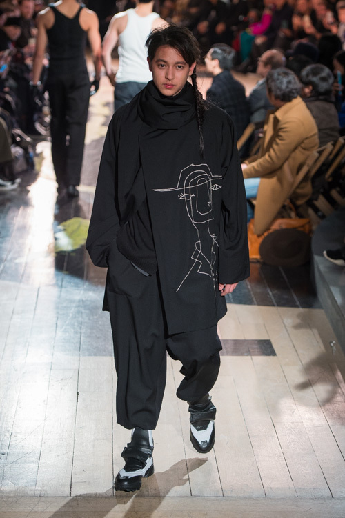 https://www.fashion-press.net/img/news/21311/yohji_2016aw_mens_0033.jpg