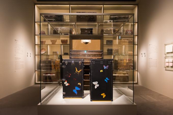 展覧会「旅するルイ・ヴィトン」の展示風景