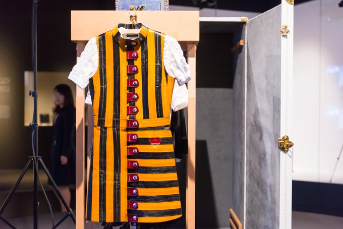 展覧会「旅するルイ・ヴィトン」の展示物、近年発表されたコレクションウェア