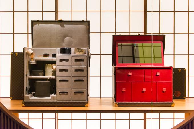 展覧会「旅するルイ・ヴィトン」の展示物、日本とのコラボレーション