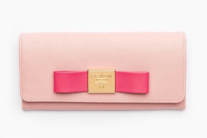 000d71debb05 プラダの日本限定ウォレット - GWに向けリボンモチーフの長財布が発売 ...