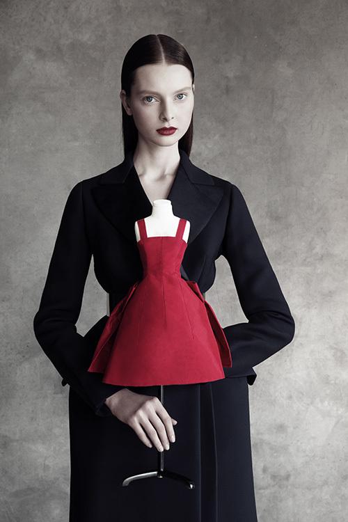 pretty nice ea488 97265 ディオール クチュールのミニチュアドレスを展示「ル・テアトル ...