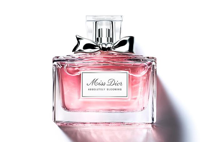 sale retailer 118c4 f03c1 ディオールの香水「ミス ディオール アブソリュートリー ...