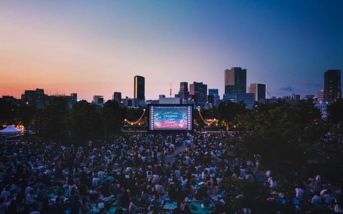 無料の野外映画イベント「品川オープンシアター」バック・トゥ・ザ・フューチャー上映