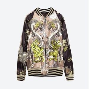 新作 フラワー刺繍付き クロップドボンバージャケット