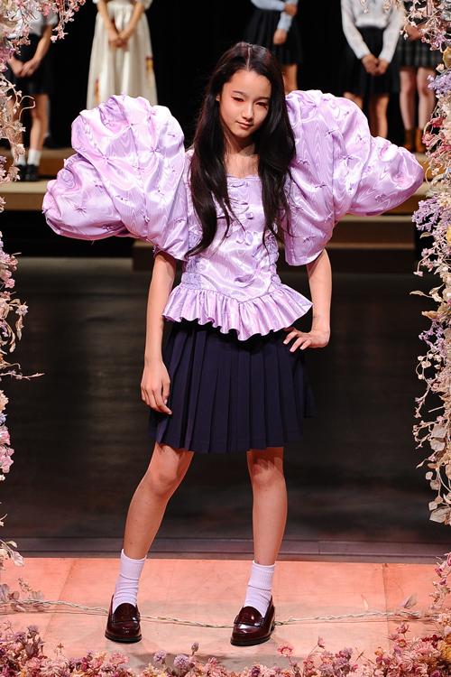 ドレスと制服で描く、少女の秘められた内面性 - JENNY FAX(ジェニー ファックス) 2012年春夏コレクション