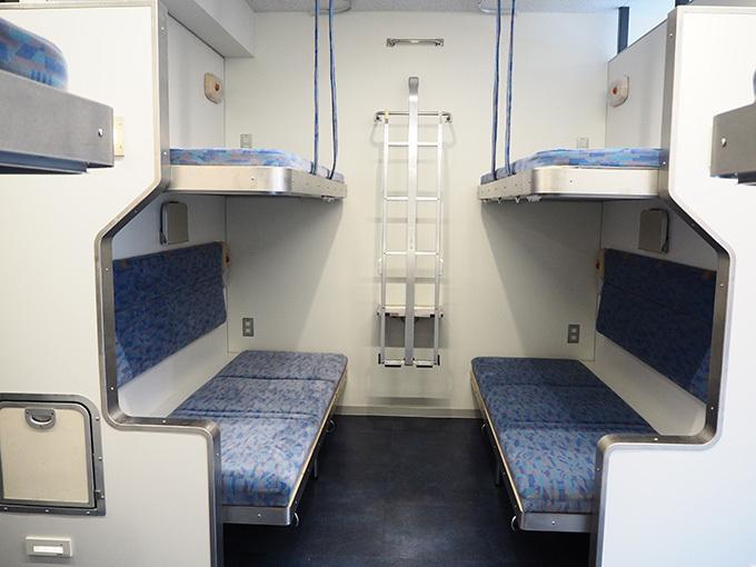 北斗星の車内備品を取り付けた「Train Hostel 北斗星」