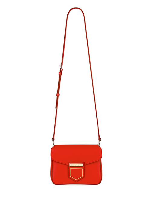 ジバンシィの新作バッグ「ノビレ」グラフィックなフォルムで、サテンレザーとエンボスレザーの2種 写真1