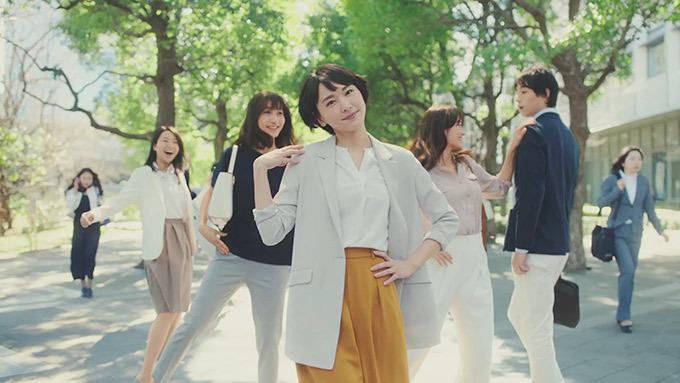 新垣結衣×ユニクロ「ドレープコレクション」