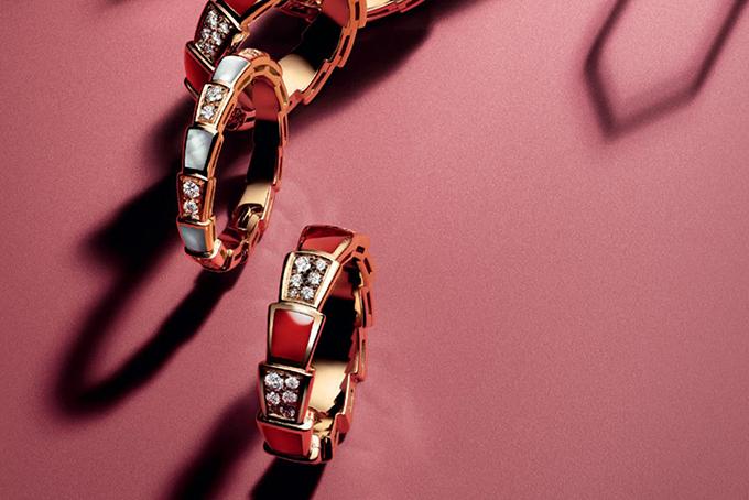 separation shoes f6fd1 dcbe6 ブルガリの新作リング「セルペンティ ヴァイパー」蛇の官能性や ...