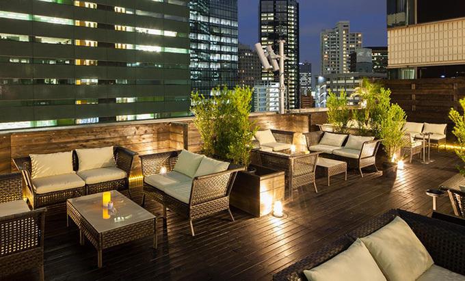 新宿・ヒルトン東京「天空のビアガーデン」高層ビル群を一望 ...