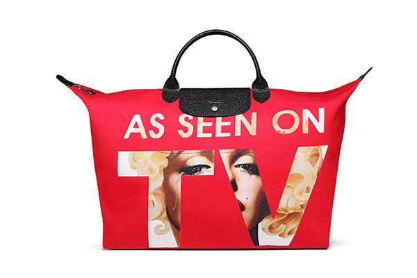96c375c9afb8 ロンシャン×ジェレミー・スコット - ハリウッドスター、マリリン・モンローを描く真っ赤なトートバッグ