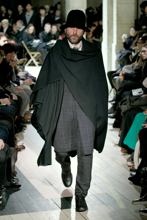https://www.fashion-press.net/img/news/3190/yohjiyamamoto_men_2012aw_03.jpg