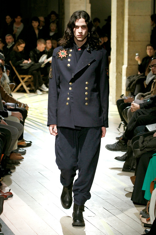 https://www.fashion-press.net/img/news/3190/yohjiyamamoto_men_2012aw_18.jpg
