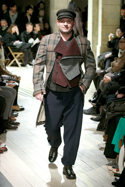 https://www.fashion-press.net/img/news/3190/yohjiyamamoto_men_2012aw_30.jpg