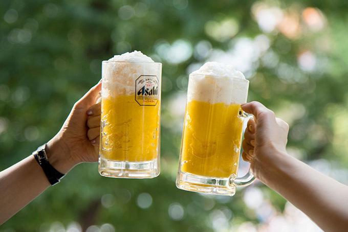 アイスモンスターの「ビールかき氷」マンゴーかき氷をビールジョッキスタイルで楽しむ新感覚スイーツ - ファッションプレス