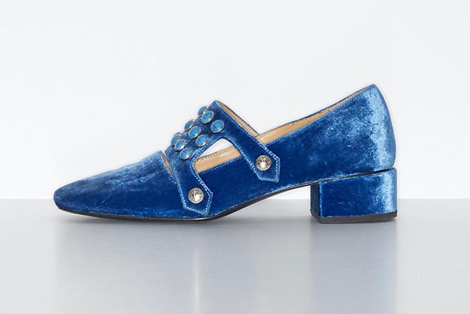 Metal flap shoes 56,000円 サイズ:35,35.5,36.36.5,37,37.5, 38,38.5,39,39.5,40,40.5,41 カラー:ライトブルー