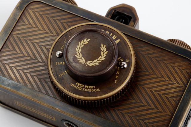 フレッドペリーとロモグラフィーのコラボカメラ発売 - 画像4