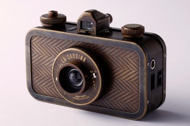 フレッドペリーとロモグラフィーのコラボカメラ発売 - 画像5