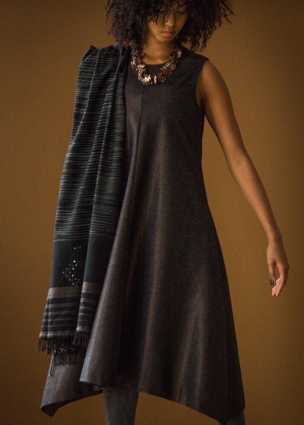 バックラメウール ドレス 72,000円+税