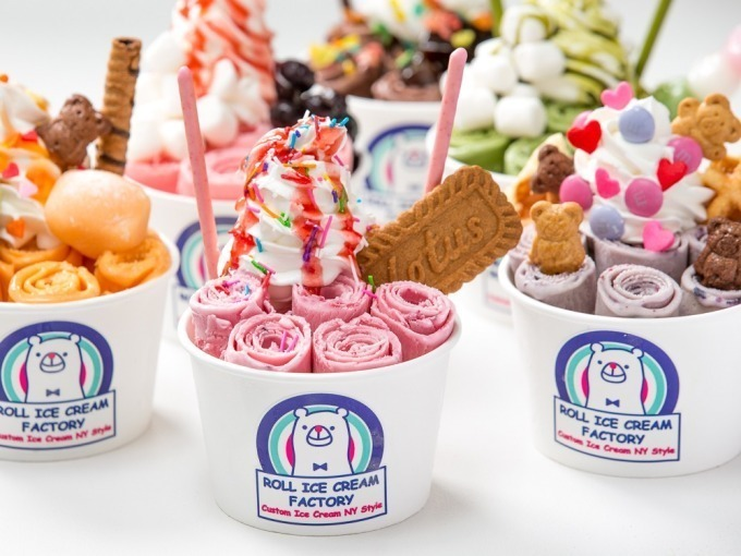 ロールアイス専門店「ロール アイス クリーム ファクトリー」大阪上陸、道頓堀に出店