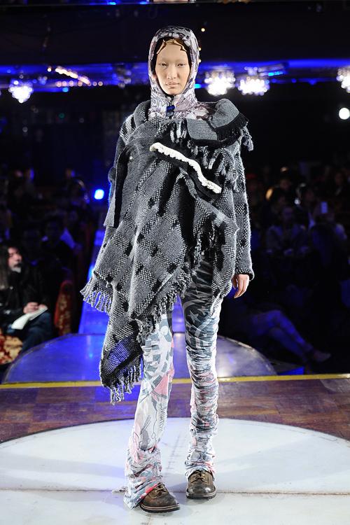 ノゾミ イシグロ オートクチュール 2012年秋冬コレクション - 想いを託した服作りでタブーに挑戦