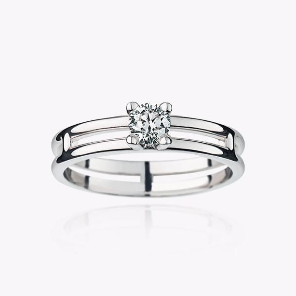 アリアンヌ エンゲージメントリング ホワイトゴールド/ラウンド・ダイヤモンド(0.25カラット) 439,000円~