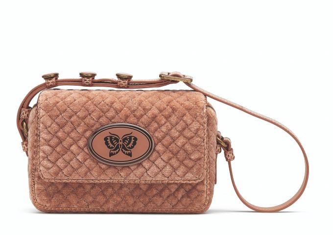 on sale 052e0 87160 ボッテガ・ヴェネタ新作、バタフライを配したミニバッグや ...